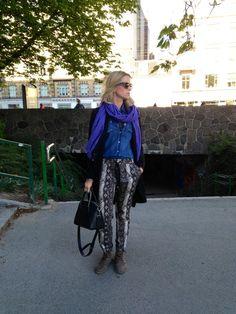 My style... ;-) #ralphlauren #jeansshirt #snakeprint #snakepants #handbag #totebag #leatherbag #leowulff View more on my blog ww.Lionsandwolves.com