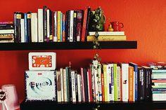 並べ方を変えるだけで見違えるほどスッキリ? 「本棚」を美しく見せるコツ - はてなニュース