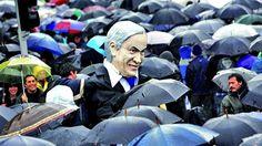 protesta con paraguas en chile - Buscar con Google