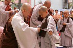 The Buddha's Robe in Korea #buddhist #buddhism #monks