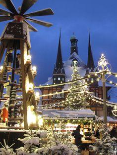 Festlich geschmückter Weihnachtsmarkt Wernigerode