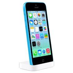 Met een Apple iPhone 5c dock (€29) op zijn nachtkastje kan je vader zijn iPhone gebruiken als wekker en meteen opladen terwijl hij slaapt.