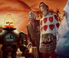The wild new Gucci campaign takes place aboard a Star Trek ship and stars aliens, a giant cat, dinosaurs, and the Creature of the Black Lagoon. Gucci Campaign, Campaign Fashion, Gucci Jewelry, Jewelry Ads, Star Trek, Aliens, Glen Luchford, Gucci Fall 2017, Giant Cat