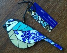 Hand made Mosaic Blue tit hanging decorative piece. Mosaic Garden Art, Mosaic Tile Art, Mosaic Artwork, Mosaic Diy, Mosaic Crafts, Mosaic Glass, Glass Art, Mosaic Drawing, Blue Mosaic