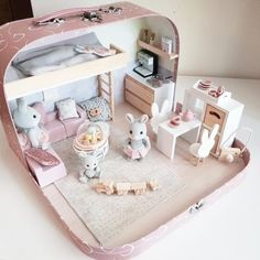 Hunting for baby doll buildings young children? We have now a great series of unique kid's game holds. Ikea Dollhouse, Wooden Dollhouse, Dollhouse Miniatures, Victorian Dollhouse, Homemade Dollhouse, Miniature Crafts, Miniature Houses, Miniature Dolls, Mini Doll House