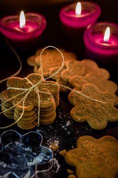 Paraisten piparkakut | Meillä kotona Xmas, Christmas, Food Inspiration, Gingerbread, Deserts, Menu, Sweets, Candles, Traditional