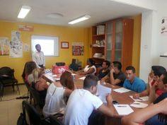 Jornada de sensibilizacion en busqueda activa de empleo en la asamblea de Almería, España. Organizada por Andalucia Compromiso Digital — con Thomas Cuellar