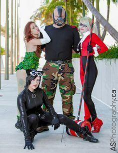 Poison Ivy, Bane, Harley Quinn, Catwoman at Comic-Con SDCC 2013 - Christmas Deesserts Clever Couples Halloween Costumes, Bane Costume, Costumes For Teens, Family Costumes, Halloween 2018, Adult Costumes, Halloween Ideas, Halloween Party, Costume