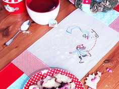 Ice skater table runner embroidery tutorial.