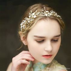 Let yourself shine wearing vintage wedding bridal crystal headband ribbon rhinestone crown tiara hair band jewelry gold leaf pearl hair accessories headdress piece sold by weddinghelper at your wedding. wedding brooches, wedding hair combs and wedding hair flowers are also provided on DHgate.com.