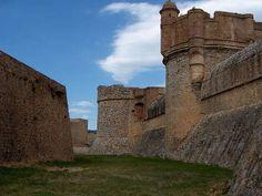 Forteresse de salses route en terre catalane guide du tourisme des pyrenees orientales