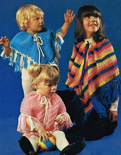 babies in 1970 Vintage Knitting, Vintage Crochet, Baby Knitting, Easy Crochet Patterns, Baby Patterns, Knitting Patterns, Baby Poncho, Capes For Kids, Hippie Crochet