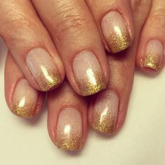Cnd shellac with one Thin layer of romantiqe and clearly pink with faded gold glitter #cnd #cndshellac