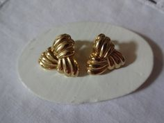Vintage Gold Tone Woven Triangle Clip Earrings | SelectionsBySusan - Jewelry on ArtFire