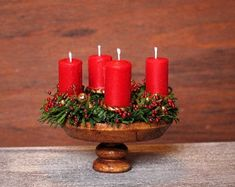 Wooden Plates, Wooden Stools, Advent Candles, Pillar Candles, Beautiful Christmas Decorations, Advent Wreath, Different Shades Of Green, All The Way Down, Red Glass