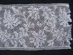 Flemish Bobbin Lace Century 53 x 8 CMS 21 x 3 Inches Textiles, Lacemaking, Linens And Lace, Antique Lace, Bobbin Lace, Irish Crochet, 18th Century, Quilts, Antiques
