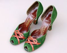 2851685b85f1 Vintage 1940s 40s Green Suede Peeptoe Court Shoes Knotted Heart Detail UK 3  US 5.5 high