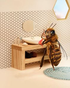 The World's First Bee Influencer Uses Social Media to Raise Funds for Lifesaving Pollinator Research Modern Art, Contemporary Art, Bee Pictures, Chicago Museums, Colossal Art, Bee Art, Matte Painting, Art Drawings, Painting Illustrations