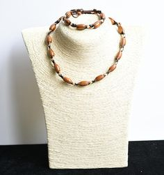 Items similar to Leather necklace and bracelet with wooden elements, woman leather necklace, leather choker, on Etsy Handmade Leather Jewelry, Leather Necklace, Leather Material, Natural Leather, Chokers, Etsy Shop, Models, Chain, Bracelets