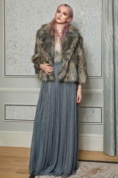 Jenny Packham Pre-Fall 2017 Collection Photos - Vogue