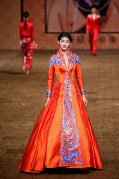This is an amazing dress. [Zhang Zhifeng -- Mercedes-Benz China Fashion Week S/S 2015 - Day 1]