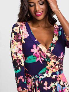 a8a8fc2075 Waisted V-neck Printed Maxi Dress. ButikUbraniaSukienkiModaSuknie