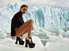 Jeffrey Campbell y la moda desde las alturas en www.someclosetsecrets.blogspot.com