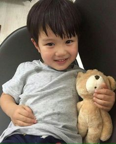 Ideas for asian children heart Cute Asian Babies, Korean Babies, Asian Kids, Cute Babies, Baby Kids, Baby Boy, Tae Oh, Baby Tumblr, Ulzzang Kids