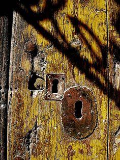 las cerraduras by rasbcn, via Flickr