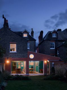 London-based David Kohn designed the single-storey extension for Sanderson House to create more living space for Sanderson family. Residential Interior Design, Residential Architecture, Interior Architecture, Red Brick Exteriors, Brick Extension, London House, House Extensions, Victorian Homes, Detached House