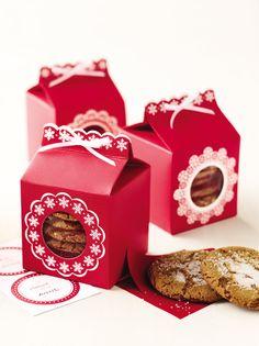 Upgrade your cookie gifts with Martha Stewart Crafts Snow Lace Cookie Boxes #marthastewartcrafts