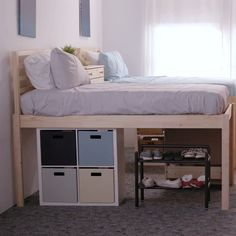 35 Inspiration For Small Space Bedroom Decorating Ideas - It's not that difficult to purchase bedroom furniture for small spaces if you remember a few ground rules, for instance, when you are particularly lim. Small Space Bedroom, Kids Bedroom, Bedroom Decor, Small Spaces, Living Room And Bedroom In One, Room Divider Ideas Bedroom, Loft Beds For Small Rooms, Small Beds, Space Saving Bedroom