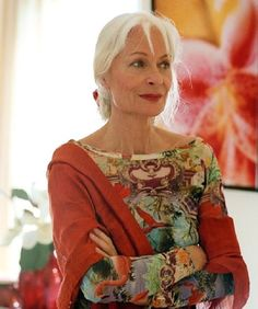 """Great look! ~ ✿ You don't have to dress like an """"old lady"""" when you are over 50 :))) I KNEW IT!!! :))) ~ Aging, aging gracefully, positive aging, grey, gray, silver, 50+, baby boomers, baby boomer, generation, senior, seniors, retirement, inspiration, lifestyle, motivation, fashion, glamour, style, 40+, mature, older,"""