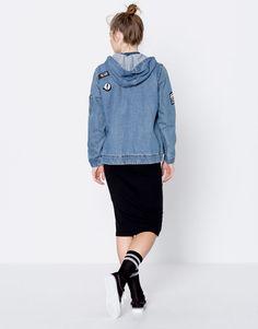 Pull&Bear - kadın - giyim - kabanlar ve ceketler - armalı bomber denim ceket - mavi - 09710355-I2016