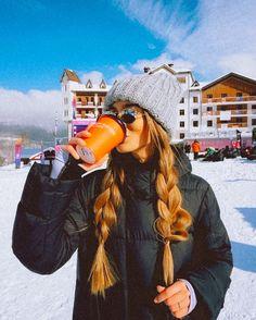 Ski Bunnies, Snowboard Girl, Ski Season, Ski Fashion, Winter Pictures, Foto Pose, Winter Looks, Winter Outfits, Snow Outfits For Women