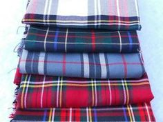 "Tissus à motif écossais • Tartan fabric for my next bag créations ""Les sacs de génie"" http://sacsdegenie.eklablog.fr"