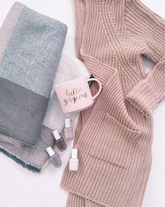 Fall feels // cozy chunky cardigan + Fall nail polish colors + hello gorgeous mug