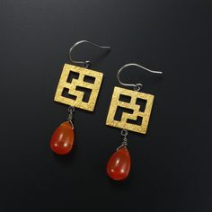 Asian style latticework square Keum Boo oxidized silver earrings by (C) KAZNESQ