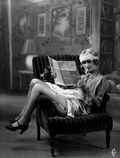 Erotic Photography - Vintage Courtesy of Bassenge Auction House. Photo Vintage, Look Vintage, Vintage Beauty, Vintage Fashion, Fashion 1920s, French Vintage, Roaring 20s Fashion, Flapper Fashion, Edwardian Fashion
