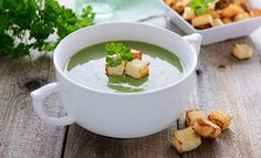 Spinach Soup 44 Yummy Vegetable Soup Recipes For Weight Loss - Are you planning to lose your weight in a healthy manner? Here are 5 effective vegetable soup recipes for weight loss for you to try out today. Healthy Detox, Healthy Soup, Healthy Snacks, Healthy Recipes, Healthy Juices, Healthy Fruits, Healthy Chicken, Diet Soup Recipes, Vegetable Soup Recipes