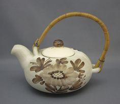 Teapot, Kupittaan Savi - Shopping Place for Friends of Old Antique Dishware - Dishwareheaven.com - Products Shopping Places, Nordic Design, Old Antiques, Finland, Tea Pots, Scandinavian, Cool Designs, Pottery, Ceramics