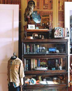 I like the shelf....and the stuffed owl.