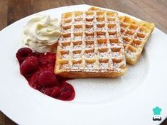Whole wheat waffles.They are made with whole wheat flour and are healthy.Perfect choice for breakfast or dessert.Top them with some maple syrup or honey. Whole Wheat Waffles, Crepes And Waffles, Waffle Iron Recipes, Cholesterol Foods, Yummy Food, Tasty, Breakfast For Kids, Dessert Recipes, Desserts