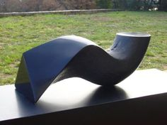 Impronta d'acqua 13 1982, marmo nero del Belgio, Yoshin Ogata http://musapietrasanta.it/content.php?menu=artisti