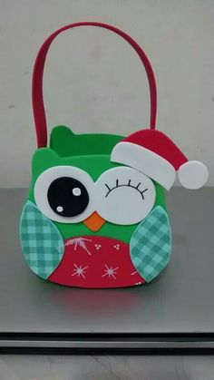 Coruja Owl Crafts, Diy And Crafts, Crafts For Kids, Paper Crafts, Christmas Owls, Christmas Crafts, Christmas Decorations, Xmas, Card In A Box