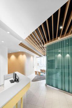 Centre médical Alexandre par Jean de Lessard, designers créatifs; Brossard, Québec. Photo : Adrien Williams. Source : Jean de Lessard, designers créatifs.