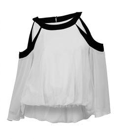 http://www.revolves.gr/shop/zoya-μπλούζα-λευκή-4684/