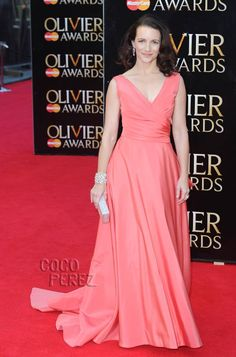 Kristin Davis Captures Hearts In Coral At The Laurence Olivier Awards! Such A Charlotte Dress! Charlotte York, Charlotte Dress, Monique Lhuillier, Kristin Davis, Laurence, Beauty Kit, Interesting Faces, Pink Dress, Awards