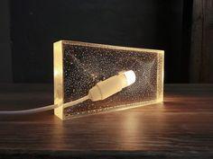 Tischlampen - Transparente Epoxidharz Tischlampe, LED-Licht - ein Designerstück von IndustrialRepublic bei DaWanda