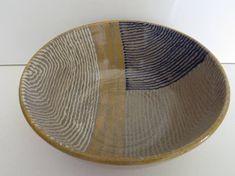 Ceramic tableware is handmade Ceramic Tableware, Ceramic Decor, Ceramic Bowls, Ceramic Art, Hand Painted Pottery, Pottery Painting, Ceramic Painting, Thrown Pottery, Pottery Bowls